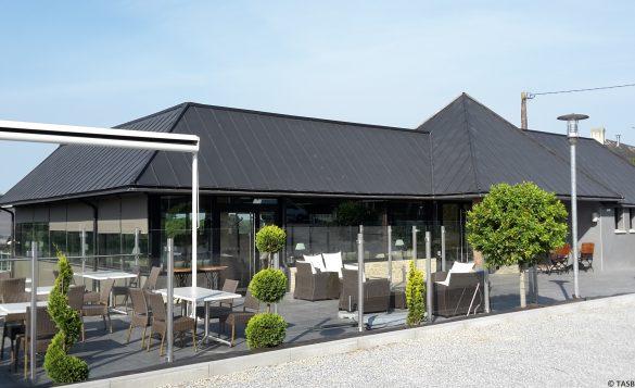terrasse restaurant le relais de la roche